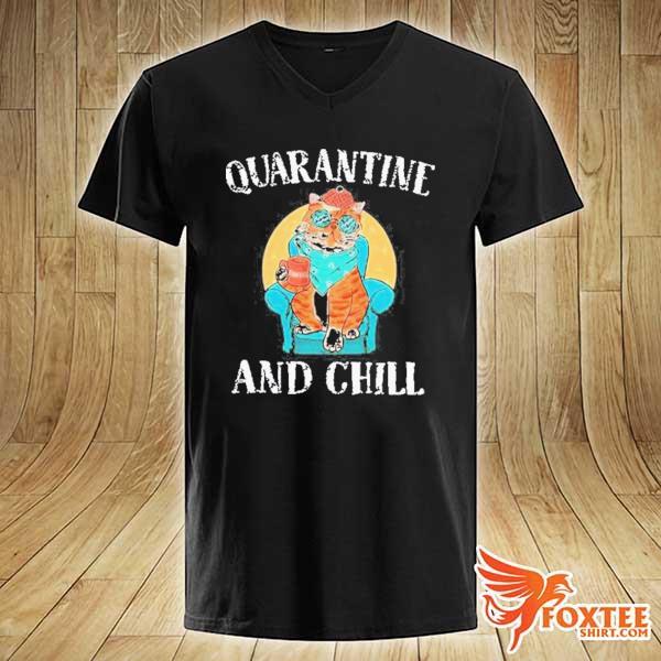 GOOD CAT QUARANTINE AND CHILL 2020 T-SHIRT v-neck